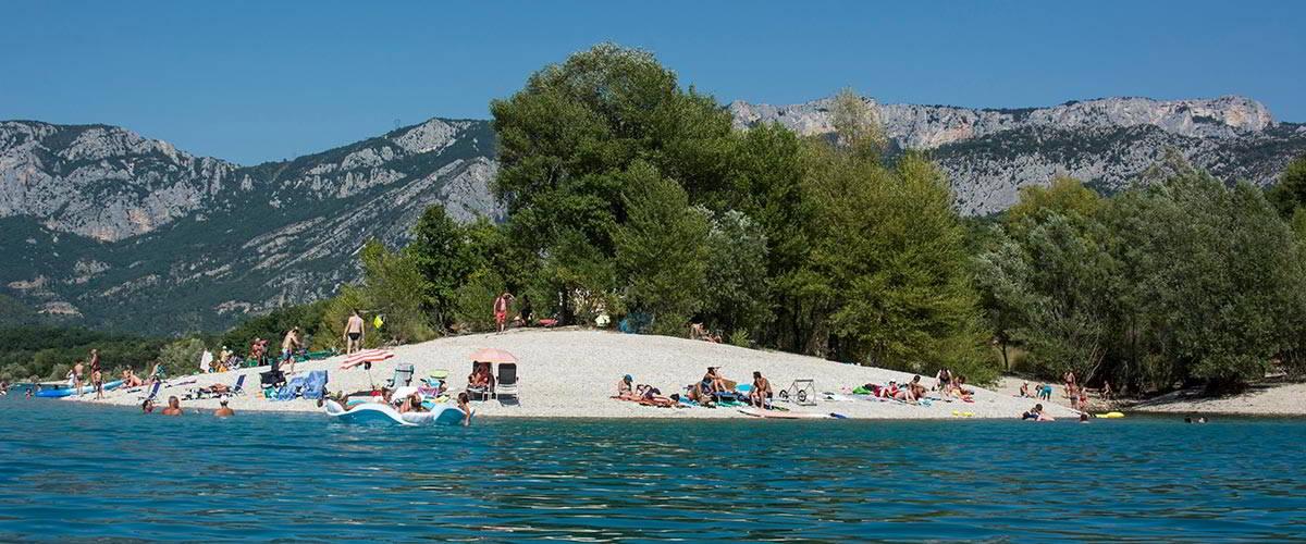 Camping municipal les ruisses les salles sur verdon for Camping lac de ste croix avec piscine